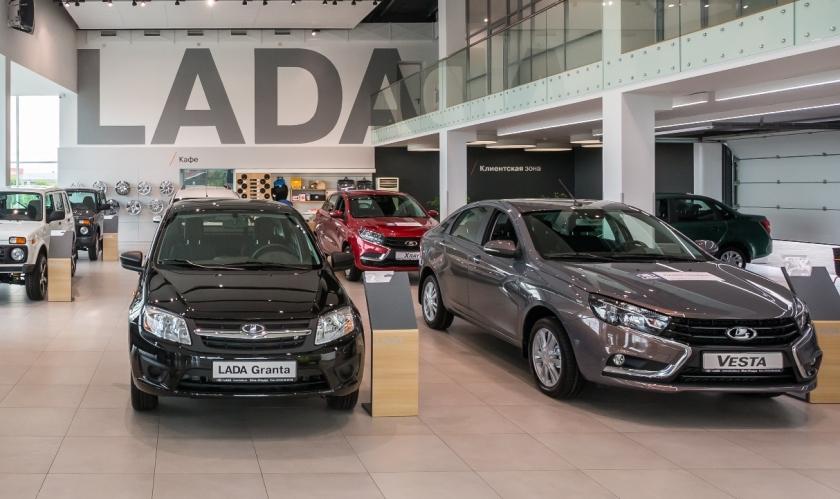 Продажи автомобилей LADA в августе выросли на 25%